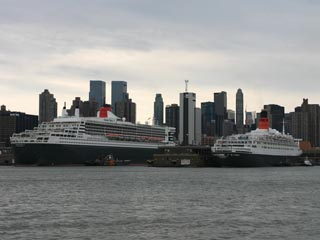 Queen Mary 2 and Queen Elizabeth 2