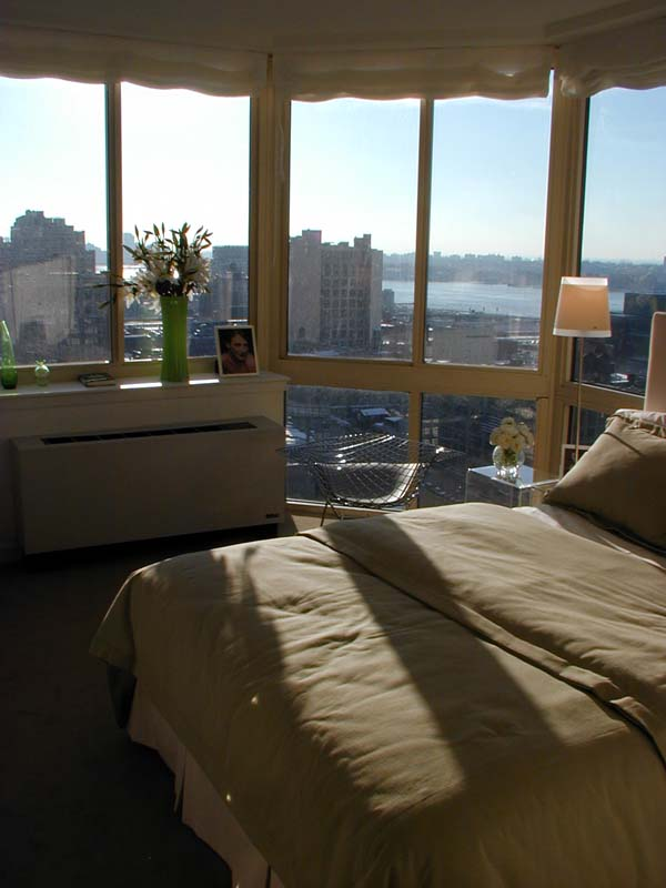 http://wirednewyork.com/real_estate/420w42nd/images/zebra_bedroom.jpg